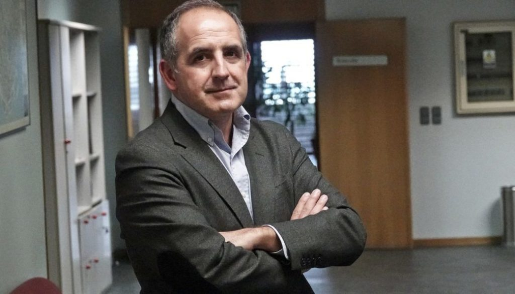 Andrés Alonso Seisdedos_La Voz